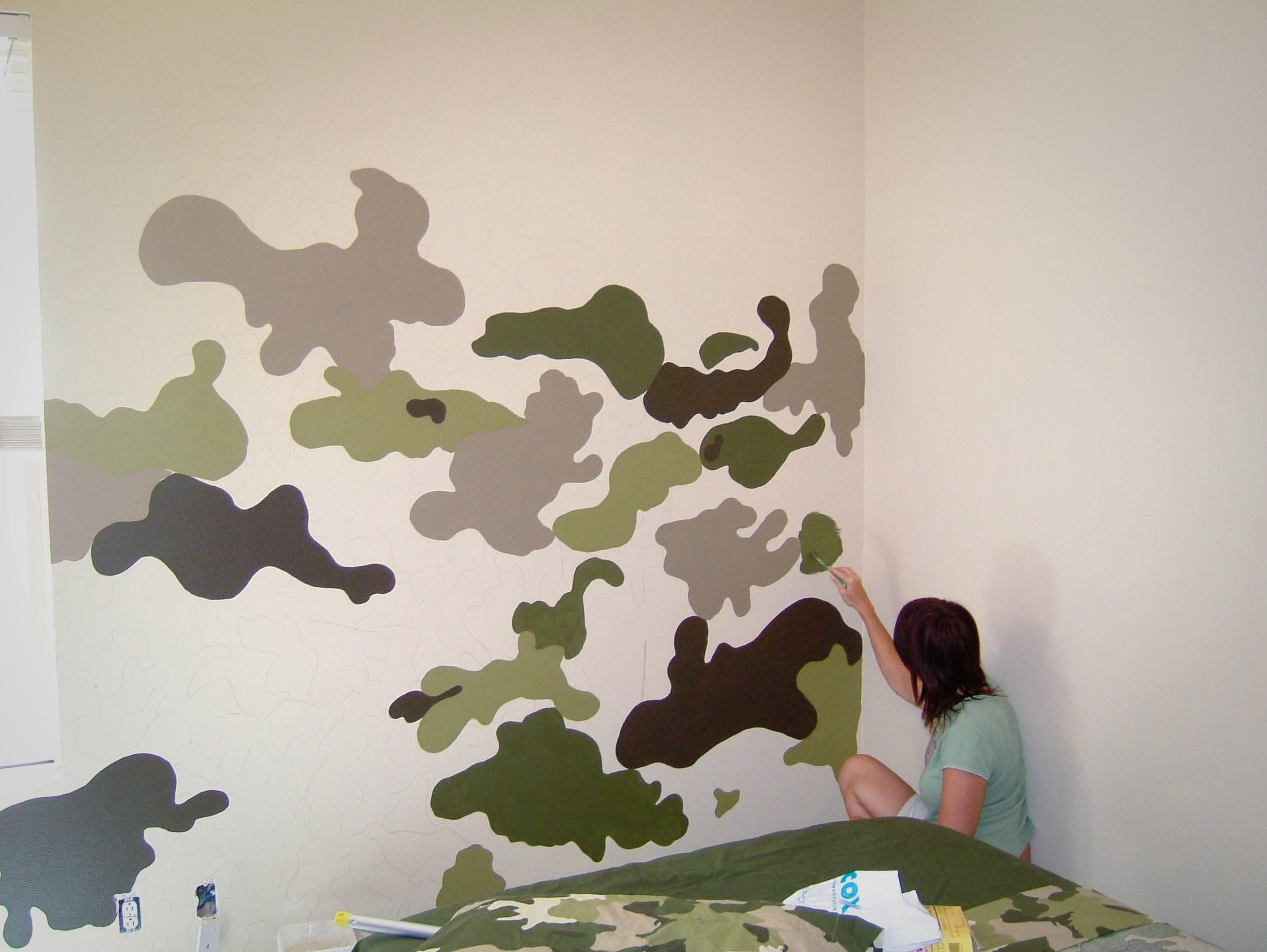 Paint A Camouflage Wall