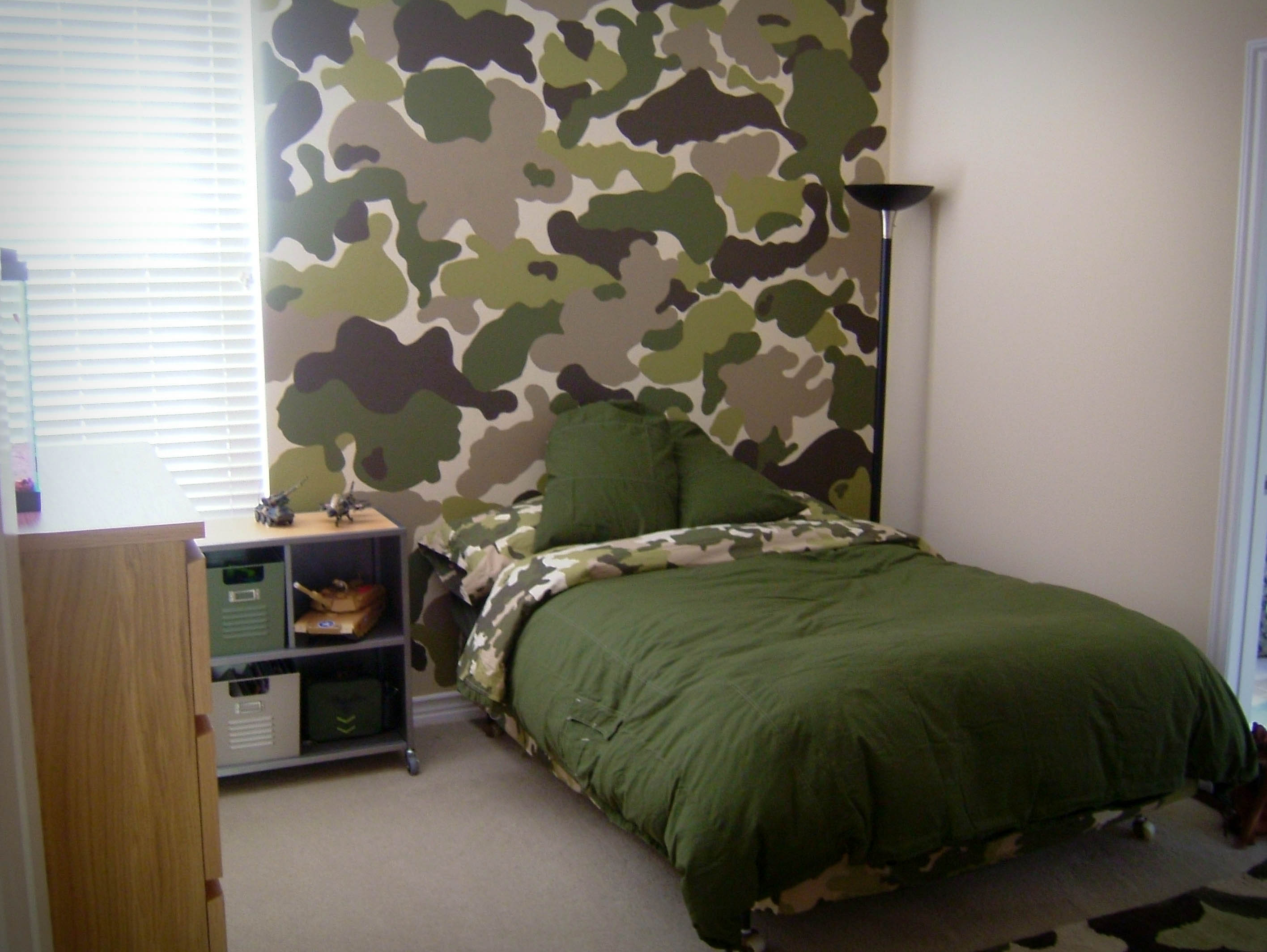 Room swap part 1 the modchik for Camo kids bedroom ideas