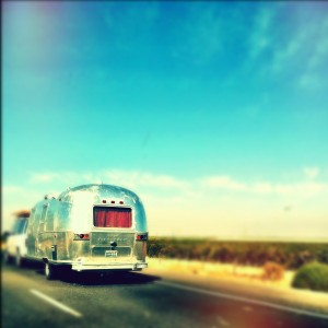 airstream-trailer-on-highway