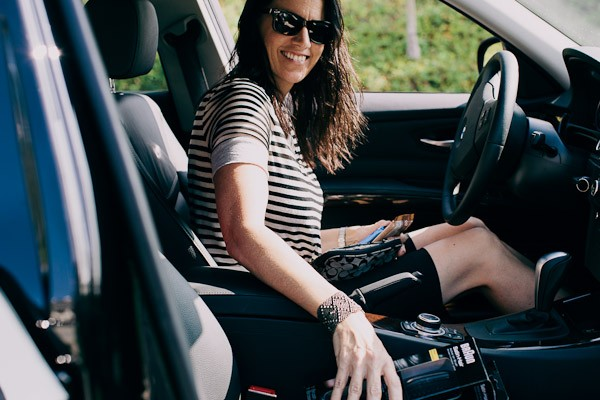 woman-in-drivers-seat-of-car