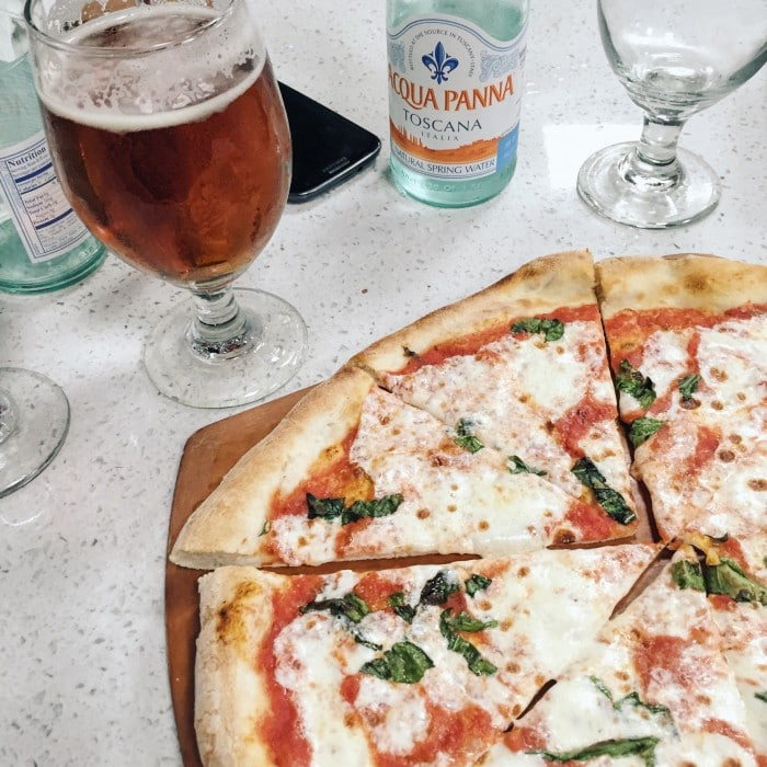 pizza-900-Lake_Forest